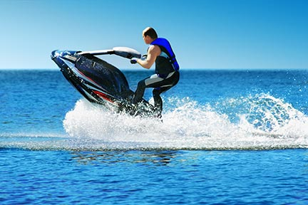 Many people like to do tricks on jet skis, however, these tricks often lead to injuries and boating accidents. Call a Sugar Land boat accident attorney today to discuss your options.